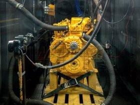 Silnik Liebherr na hamowni silnikowej
